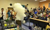 Žáci 8. tříd se zúčastnili chemické show
